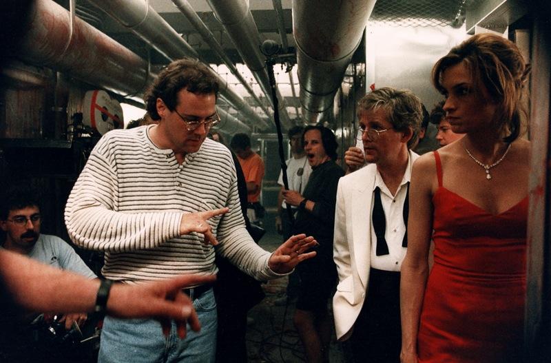 Фильм «Подъем с глубины» (1998): Фамке Янссен, Энтони Хилд, Стивен Соммерс 800x527