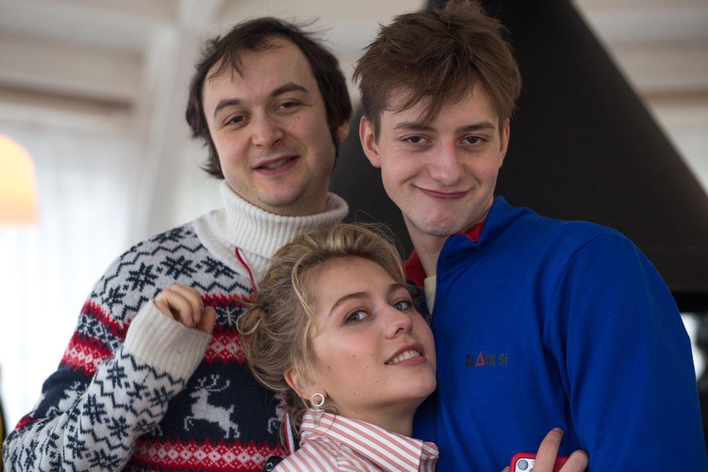 Фільм «Врятуйте Колю!» (2020): Алексей Золотовицкий, Анна Родоная, Иван Злобин 1386x924