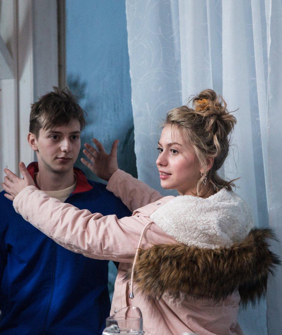 Фільм «Врятуйте Колю!» (2020): Иван Злобин, Анна Родоная 924x1100