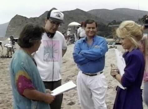 Фільм «Небесные куколки» (1993): Лінні Квіглі, Девід ДеКото, Джо Естевез, Берт Уорд 474x349