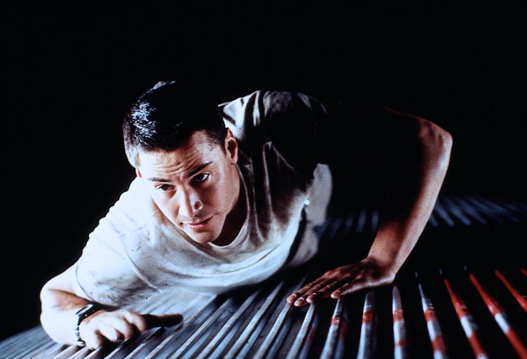 Фильм «Скорость» (1994): Киану Ривз 1024x698