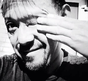 «Под жарким солнцем» — кадри