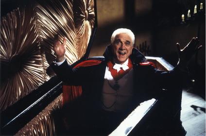 «Дракула: Мёртвый и довольный» — кадры