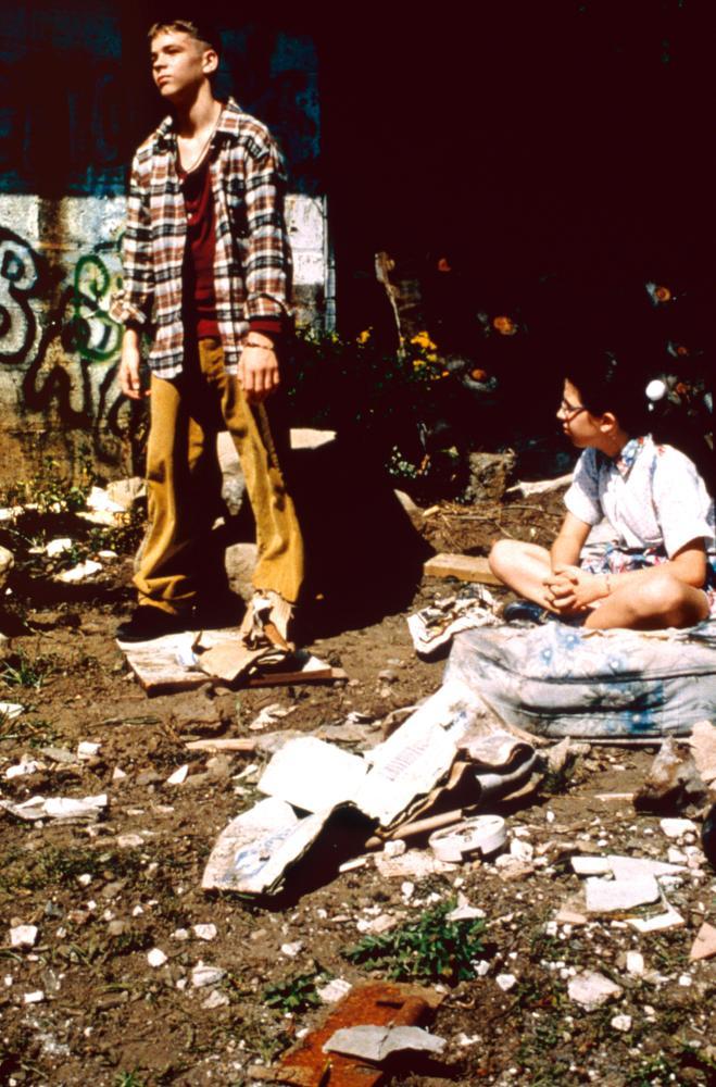 Фильм «Добро пожаловать в кукольный дом» (1995): 659x1000