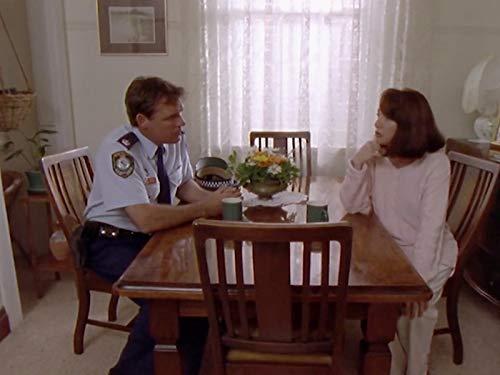 Серіал «Водяные крысы» (1996 – 2001): Пітер Бенсли 2 сезон, 5 епізод — «Truth or Dare» 500x375