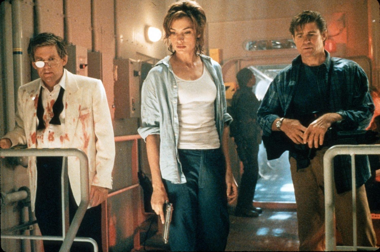 Фильм «Подъем с глубины» (1998): Трит Уильямс, Энтони Хилд, Клифтон Пауэлл, Фамке Янссен 1500x997