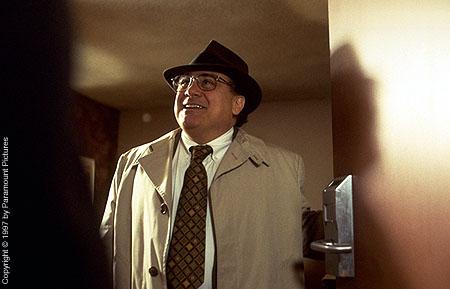 Фильм «Благодетель» (1997): Дэнни ДеВито 450x289