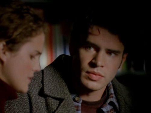 Серіал «Фелисити» (1998 – 2002): Скотт Фоулі, Кері Рассел 1 сезон, 13 епізод — «Todd Mulcahy (1)» 500x375