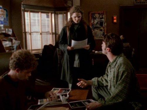 Серіал «Фелисити» (1998 – 2002): Скотт Фоулі, Кері Рассел 1 сезон, 15 епізод — «Love and Marriage» 500x375