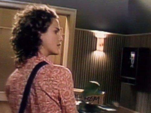 Серіал «Фелисити» (1998 – 2002): Кері Рассел 3 сезон, 1 епізод — «The Christening» 500x375