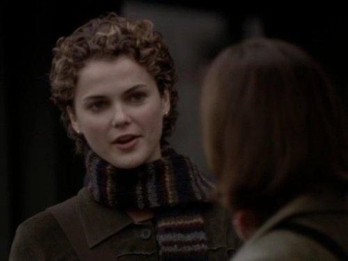 Серіал «Фелисити» (1998 – 2002): Кері Рассел 2 сезон, 14 епізод — «True Colors» 500x375