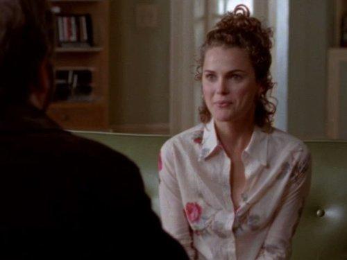 Серіал «Фелисити» (1998 – 2002): Кері Рассел 3 сезон, 7 епізод — «Kissing Mr. Covington» 500x375