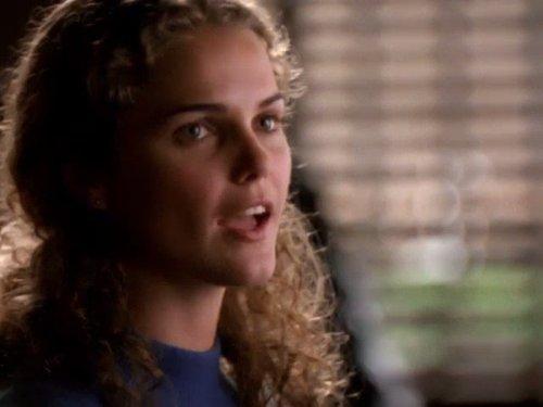 Серіал «Фелисити» (1998 – 2002): Кері Рассел 1 сезон, 4 епізод — «Boggled» 500x375