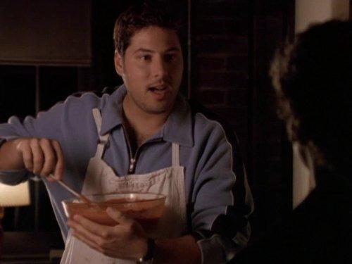 Сериал «Фелисити» (1998 – 2002): Грег Гранберг 2 сезон, 4 эпизод — «The Depths» 500x375