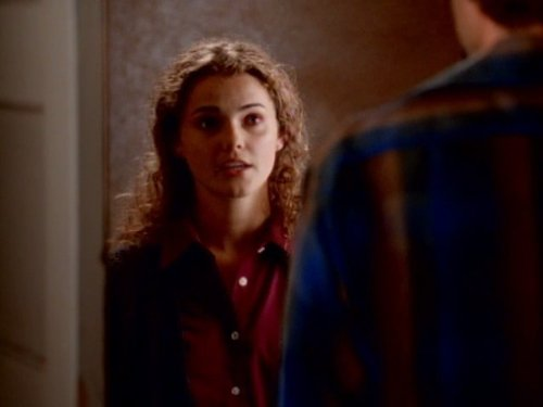 Сериал «Фелисити» (1998 – 2002): Кери Рассел 1 сезон, 2 эпизод — «The Last Stand» 500x375