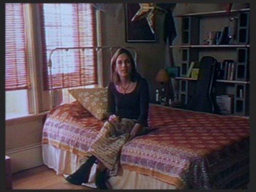 Серіал «Фелисити» (1998 – 2002): Емі Джо Джонсон 3 сезон, 3 епізод — «Hello, I Must Be Going» 500x375