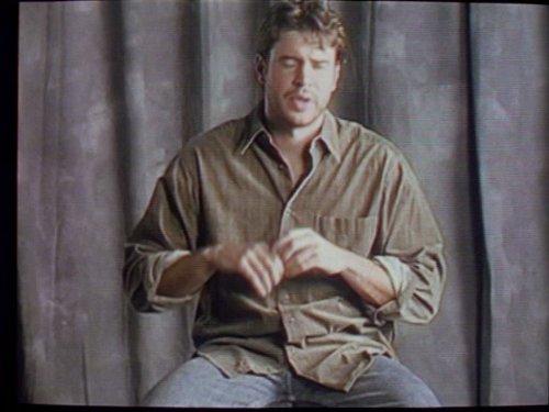 Серіал «Фелисити» (1998 – 2002): Скотт Фоулі 3 сезон, 12 епізод — «Girlfight» 500x375