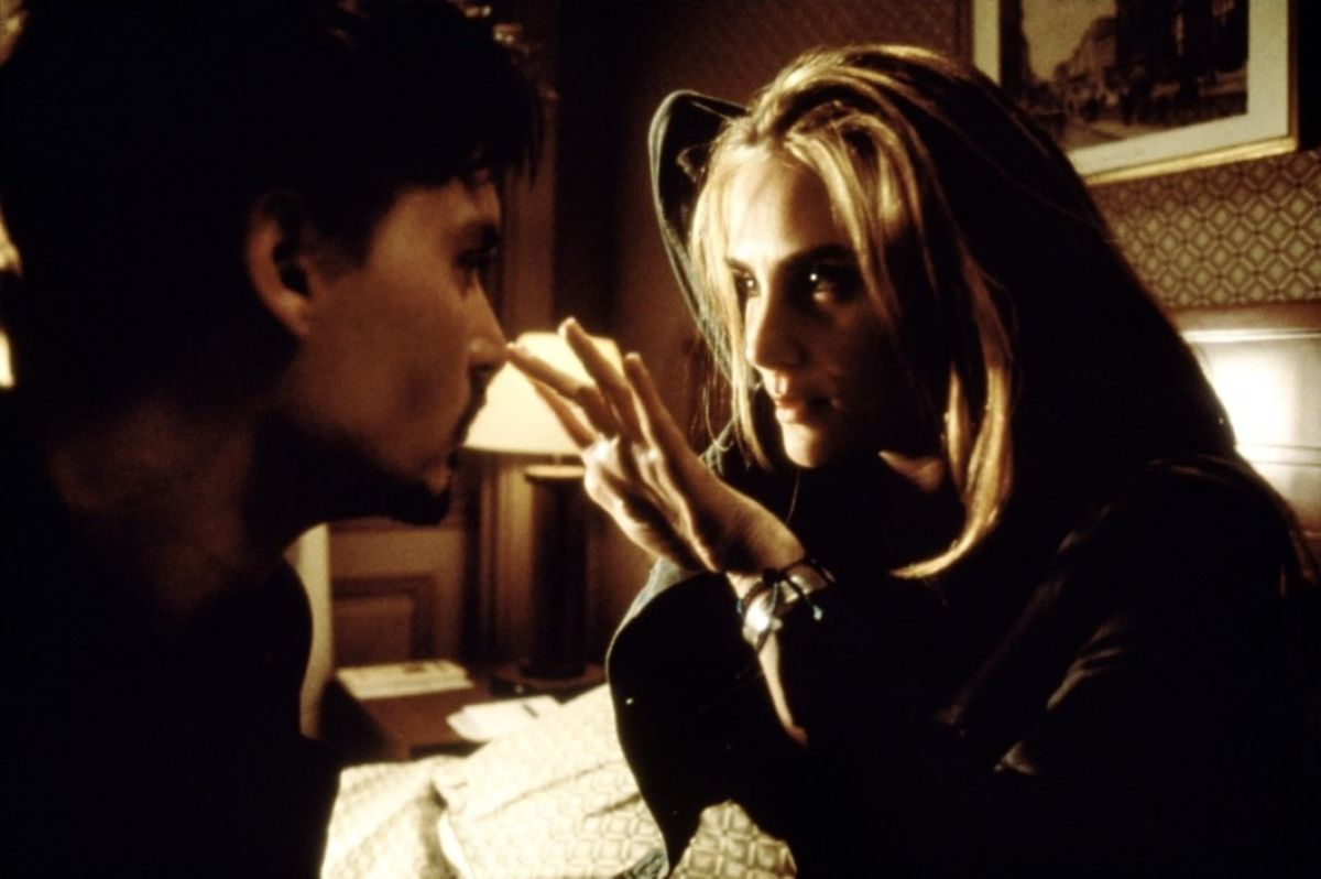 Фільм «Дев'ята брама» (1999): 1200x798