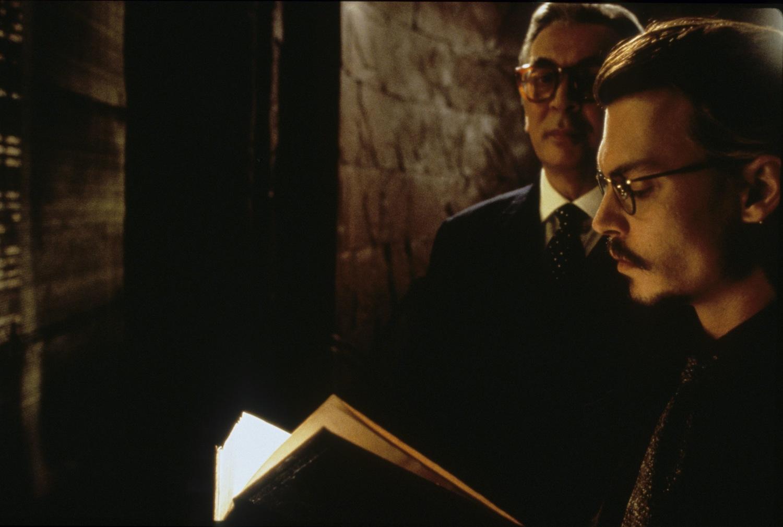 Фільм «Дев'ята брама» (1999): 1500x1011