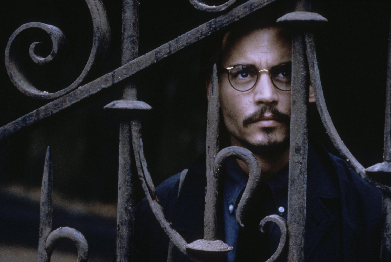 Фільм «Дев'ята брама» (1999): 1500x1008