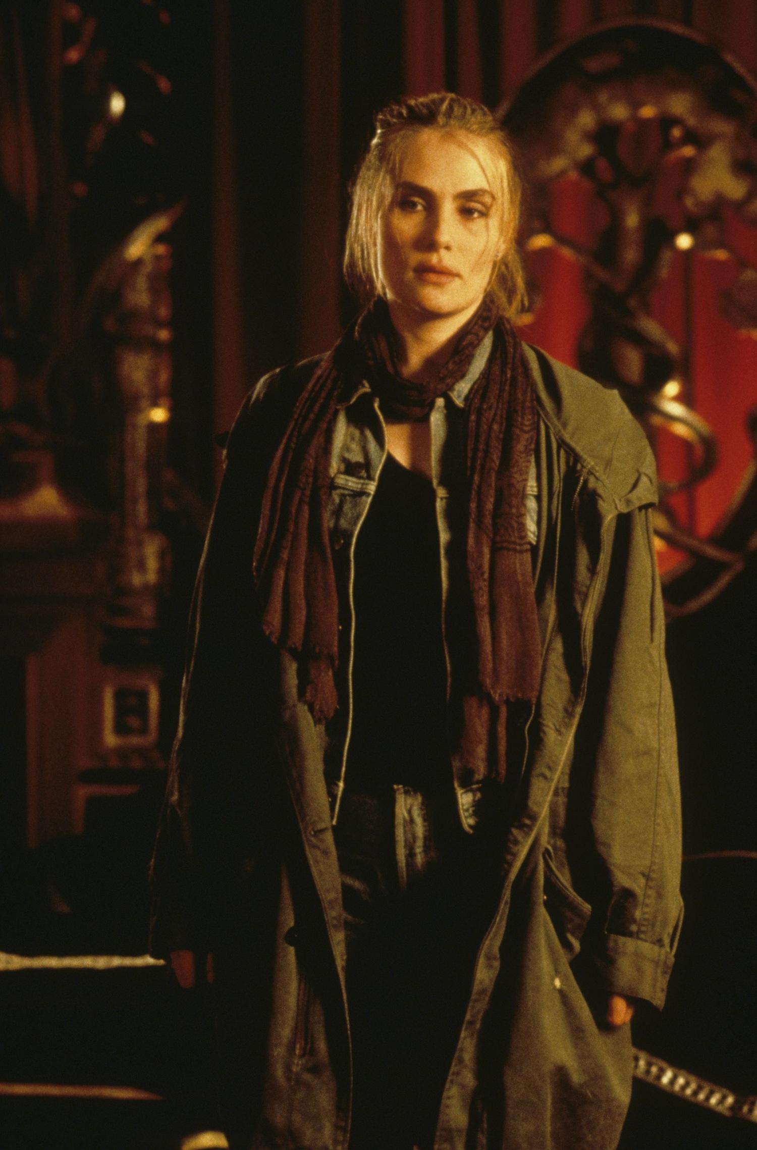 Фільм «Дев'ята брама» (1999): 1500x2279