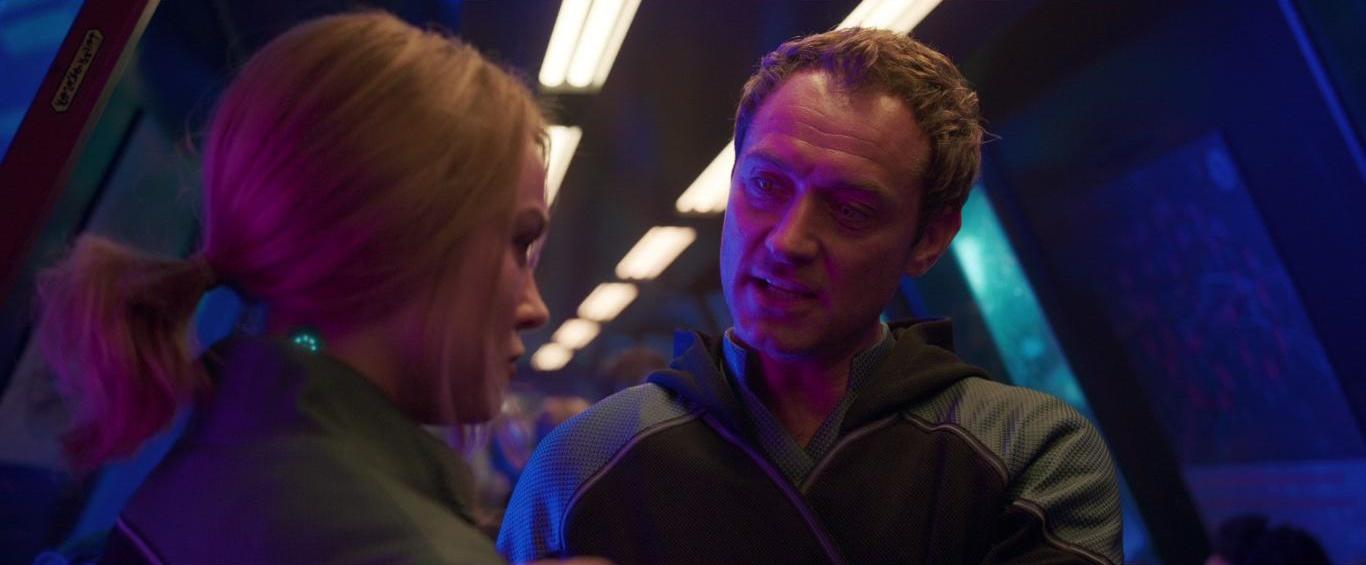 Фільм «Капітан Марвел» (2019): Джуд Лоу, Брі Ларсон 1366x565