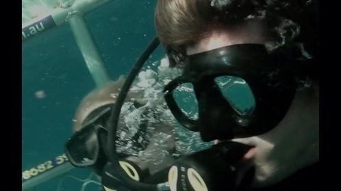 «Над глибиною: Хроніка виживання» — кадри
