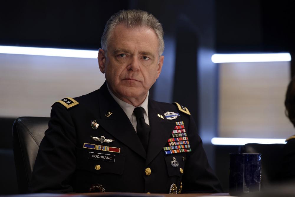 Серіал «Останній кандидат» (2016 – 2019): Кевін Макналлі 1 сезон, 4 епізод — «Враг» (The Enemy) 1000x667
