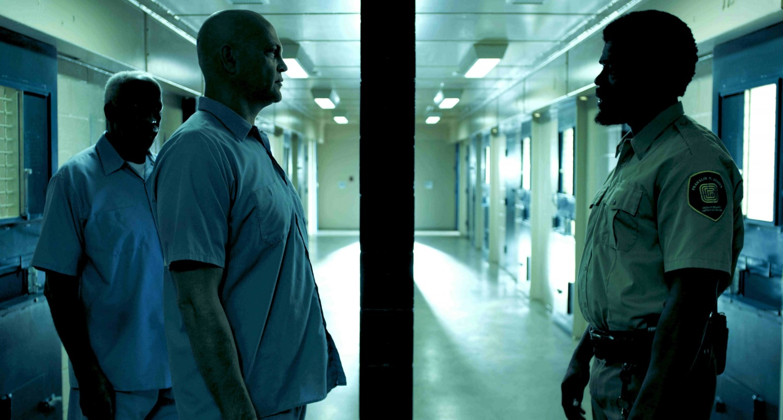 Фильм «Драка в блоке 99» (2017): Мустафа Жакир, Винс Вон, Уилли С. Карпентер 1500x804