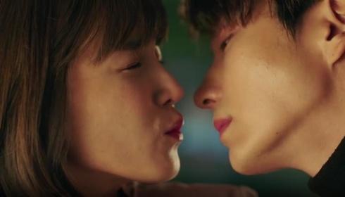 «Сім перших поцілунків» — кадри