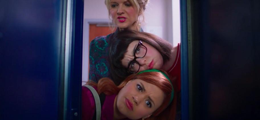 Фильм «Дафни и Велма» (2018): Арден Майрин, Сара Гилман, Сара Джеффери 913x420