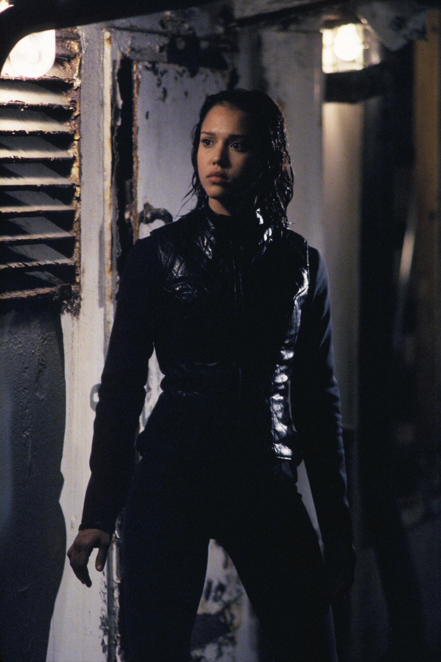Серіал «Темний ангел» (2000 – 2002): Джессіка Альба 1 сезон, 2 епізод — «На дне» (Heat) 1500x2255
