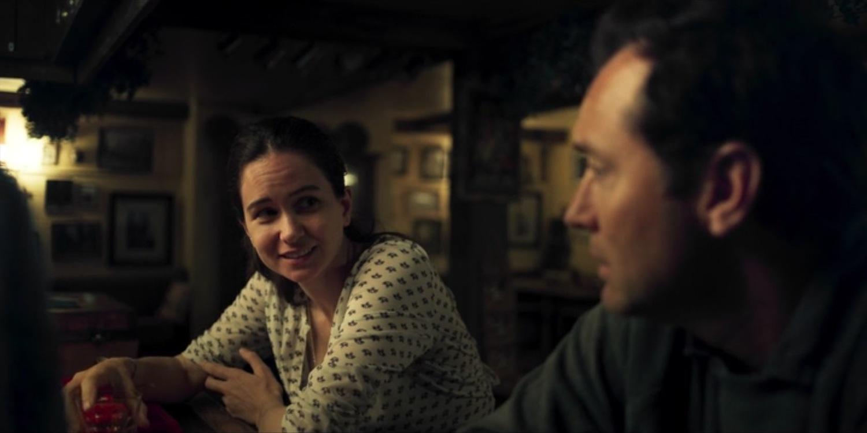 Серіал «Третій день» (2020): Джуд Лоу, Кетрін Вотерстон 1 сезон, 1 епізод — «Пятница - отец» (Friday - The Father) 1500x750