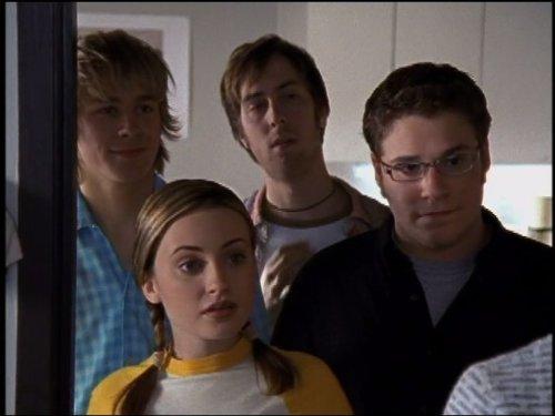 Серіал «Ті, що не визначилися» (2001 – 2002): Сет Роґен, Тімм Шарп, Чарлі Ганнем, Моніка Кіна 500x375