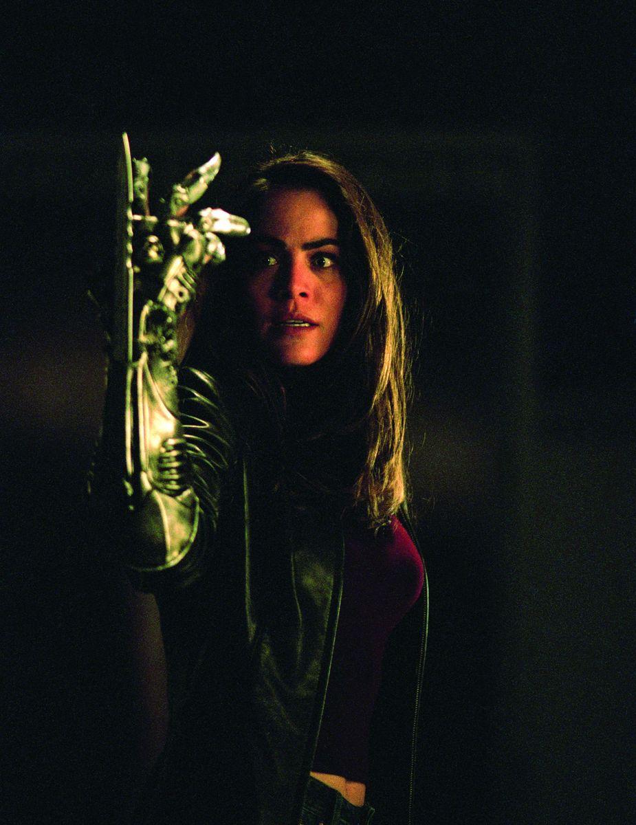 Серіал «Ведьмин клинок» (2001 – 2002): Янсі Батлер 925x1200