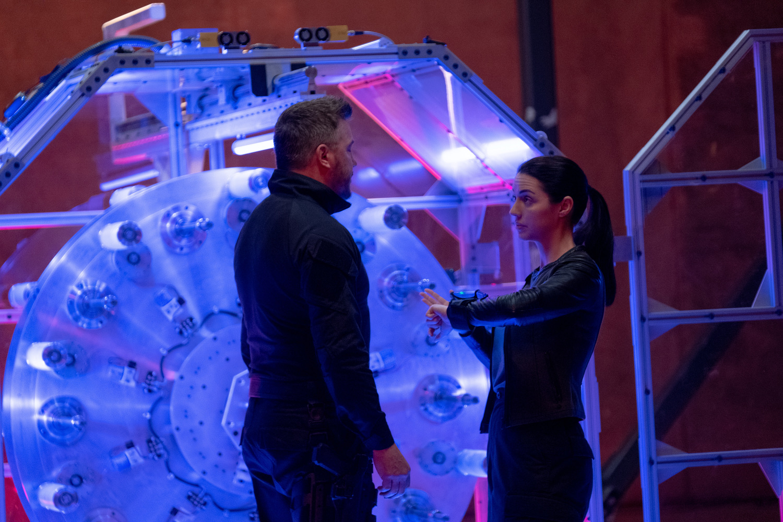 Фільм «Зоряний рубіж» (2021): Локлін Манро, Аделаїда Кейн 1500x1000