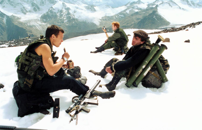 Фільм «Війна» (2002): Алексей Чадов, Іен Келлі 1500x968