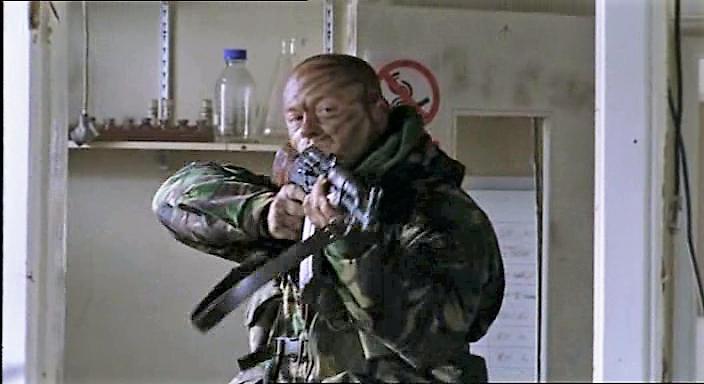 Серіал «Элита спецназа» (2002 – 2006): Росс Кемп 704x384