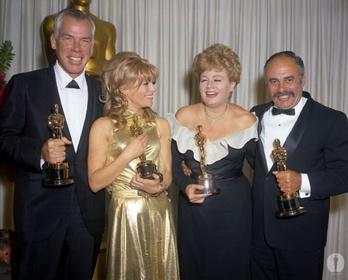«38-я церемония вручения премии «Оскар»» — кадри