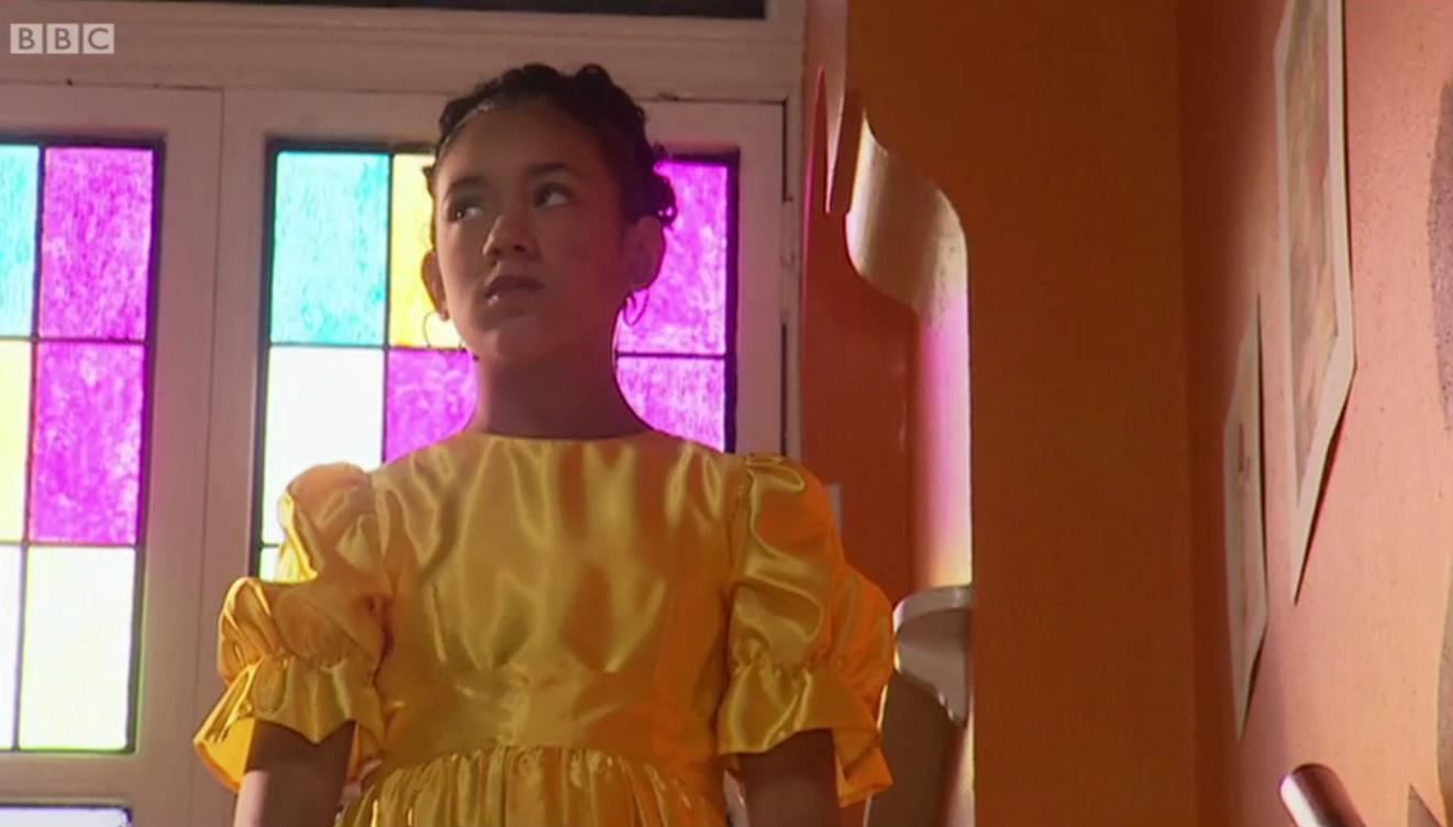 Серіал «История Трейси Бикер» (2002 – 2006): Монтанна Томпсон 2 сезон, 15 епізод — «Bridesmaid» 1322x752