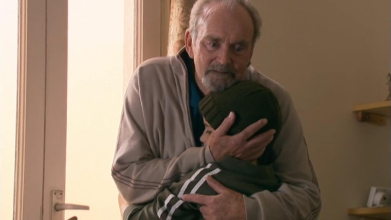 Серіал «История Трейси Бикер» (2002 – 2006): Хауэлл Эванс, Эбби Ракиц-Плэтт 3 сезон, 8 епізод — «No-one Quite Like Grandpa» 1366x768