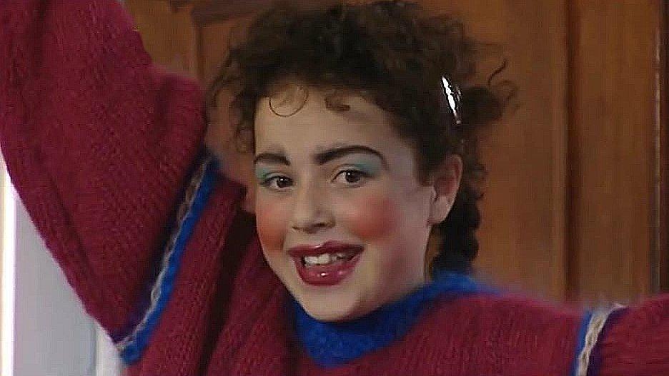 Серіал «История Трейси Бикер» (2002 – 2006): Дені Хармер 1 сезон, 4 епізод — «Cam's First Visit» 936x527