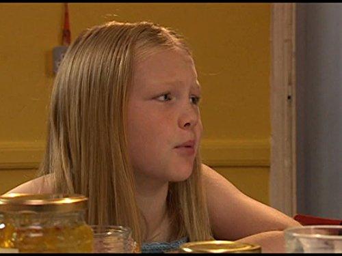 Серіал «История Трейси Бикер» (2002 – 2006): Челси Пэдли 1 сезон, 2 епізод — «Dares» 500x375