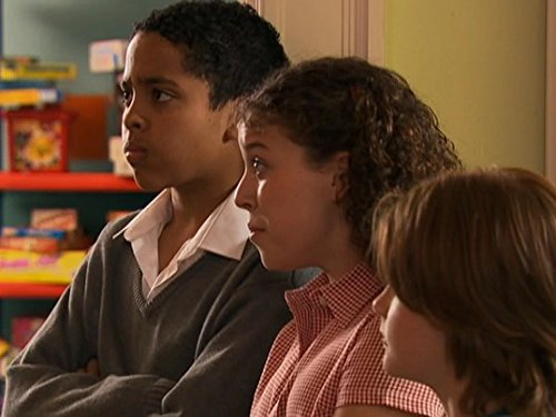 Серіал «История Трейси Бикер» (2002 – 2006): Дені Хармер, Дарра Мортелл, Эбби Ракиц-Плэтт 3 сезон, 6 епізод — «Down with School» 500x375