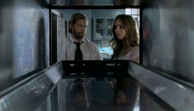 Серіал «Поклик Тру» (2003 – 2005): Елайза Душку, Зак Ґаліфіанакіс 1 сезон, 3 епізод — «Спасение брата» (Brother's Keeper) 640x368