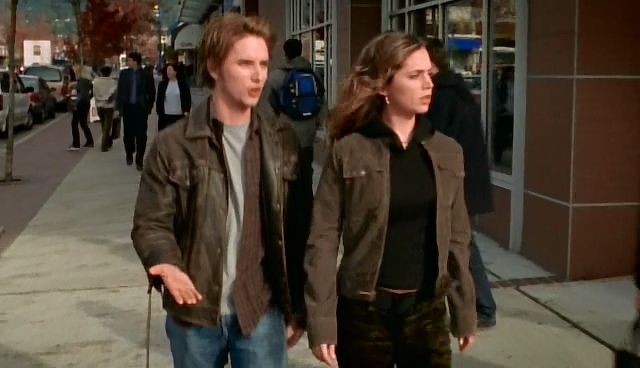 Серіал «Поклик Тру» (2003 – 2005): Елайза Душку, Шон Рівз 1 сезон, 9 епізод — «Убийство в морге» (Murder in the Morgue) 640x368