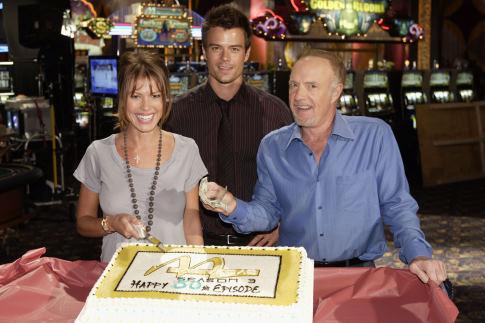 Серіал «Лас Вегас» (2003 – 2008): Джош Дюамель, Джеймс Каан, Ніккі Кокс 485x323