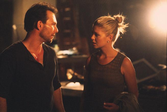 Фільм «Один у темряві» (2004): Крістіан Слейтер, Тара Рід 655x439