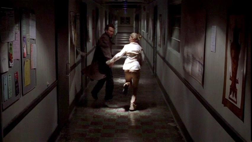 Фільм «Один у темряві» (2004): Крістіан Слейтер, Тара Рід 852x480