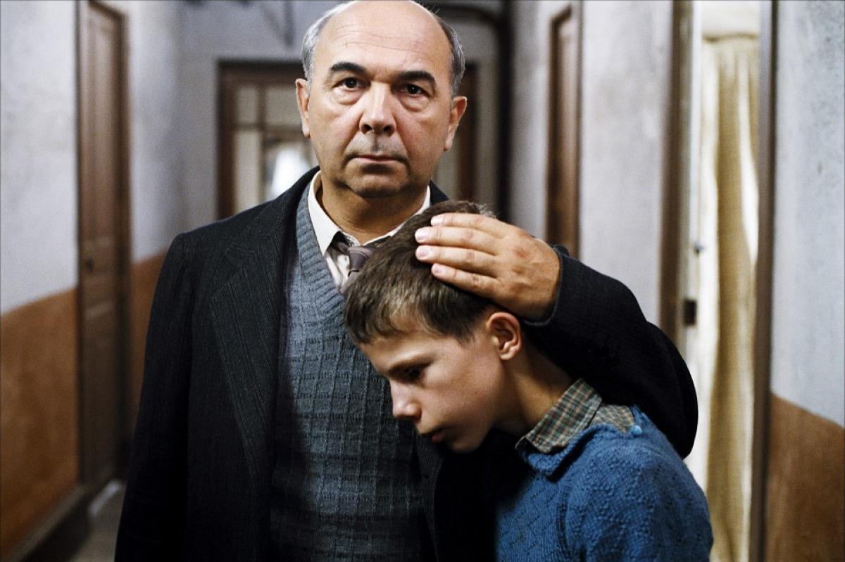 Фильм «Хористы» (2004): Жерар Жюньо 1200x799